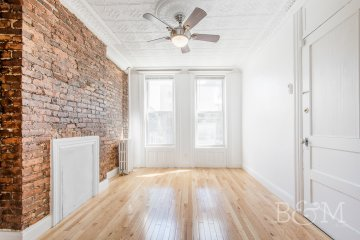 Large and Charming Convertable 3 Bedroom Apartment in prime Carroll Gardens